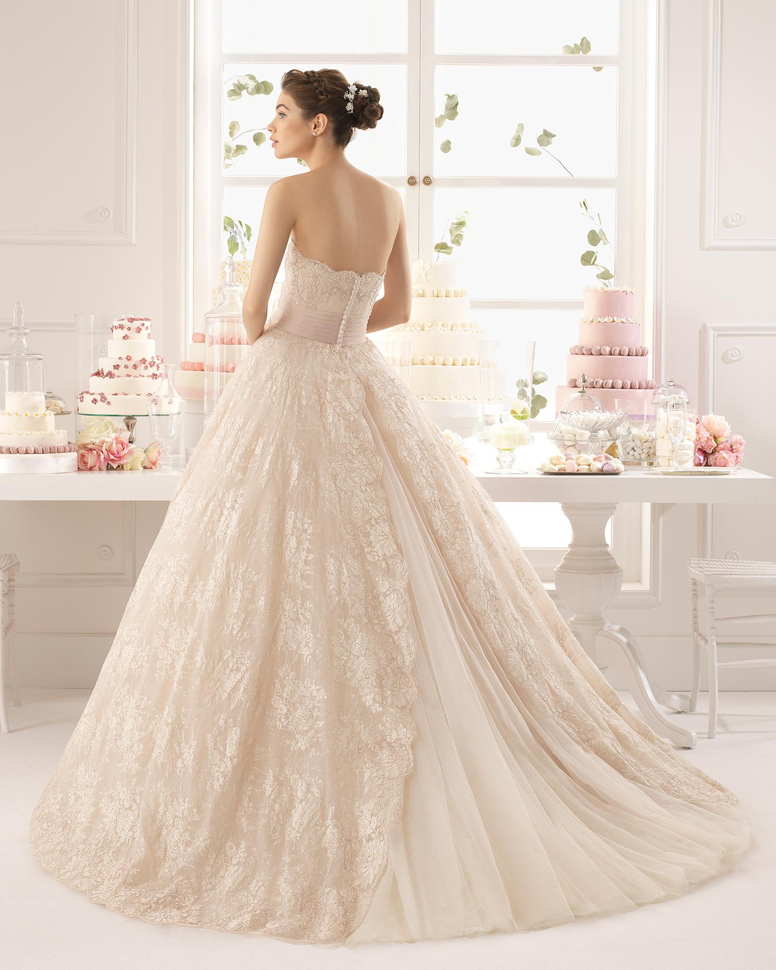 Vestidos de novia color champagne 2015