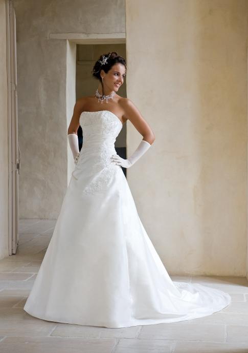 Boutique du mariage eglantine 2011 weddalia - Eglantine emeye mariee ...