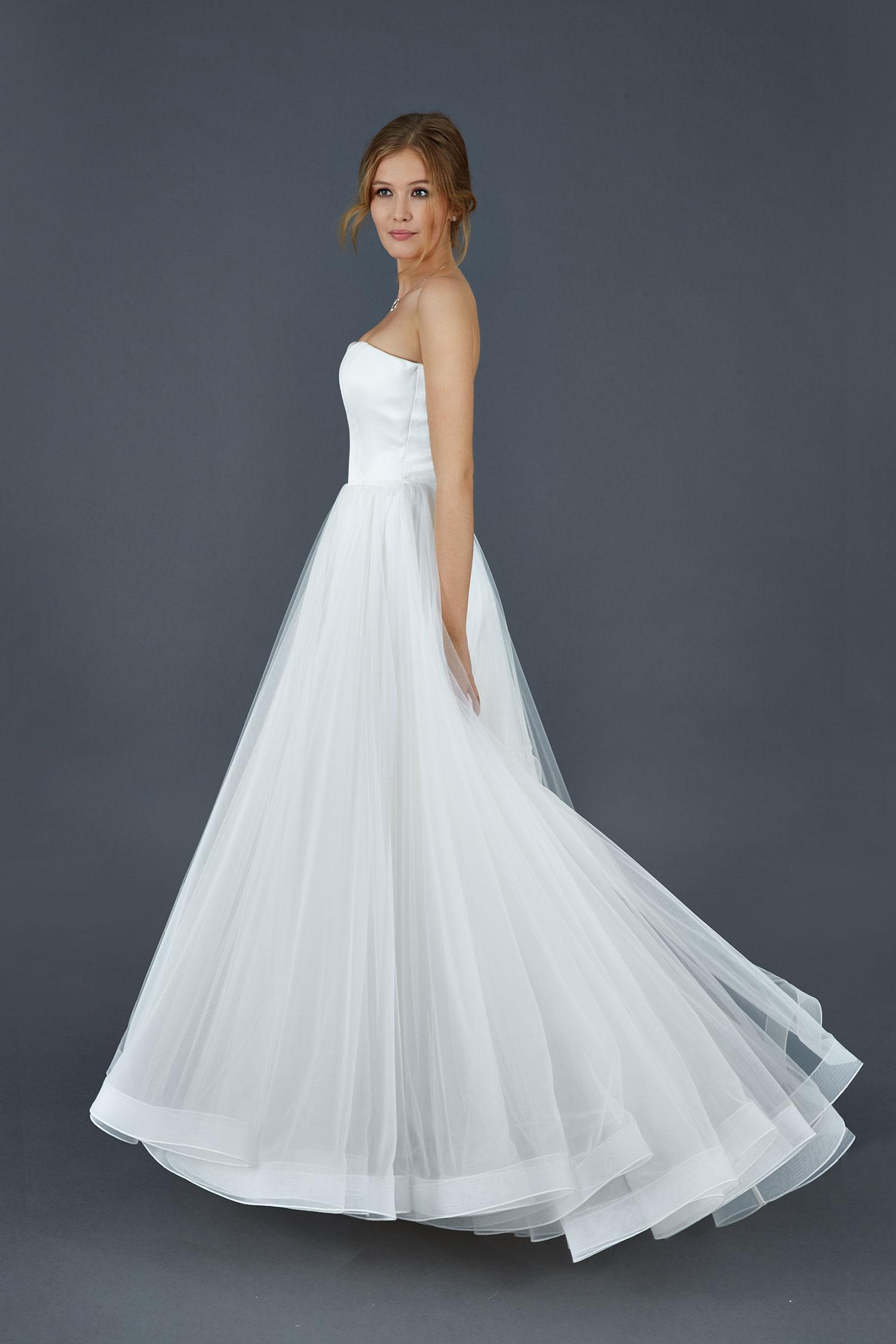 8046f1f3339c Ti piace questo abito  Condividilo!
