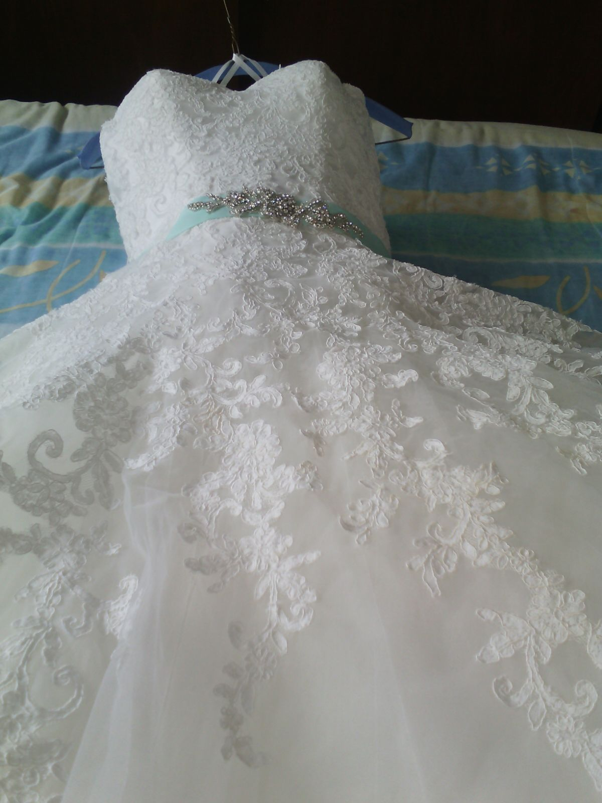 Vestidos de novia essence en puebla